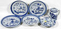 10504 CHINESE BLUE  WHITE PORCELAIN GROUPING