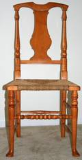 092472 EARLY AMERICAN STYLE MAPLE SIDE CHAIR
