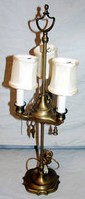 110578 THREELIGHT BRASS LAMP