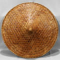 090555 CHINESE HAT BASKET BAMBOO REED LACQUERED