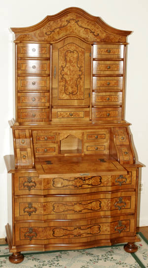 121025 ITALIAN INLAID WALNUT SECRETARY DESK