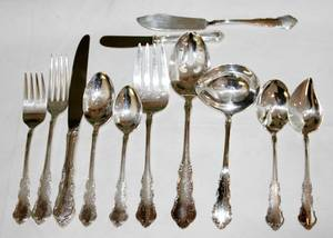 052082 REED  BARTON DRESDEN ROSE STERLING FLATWARE