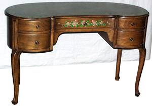041139 FRENCH STYLE WALNUT DRESSING TABLE C 1930