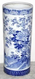 031114 CHINESE PORCELAIN CYLINDRICAL UMBRELLA JAR