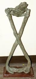 062071 BRONZE FIGURE OF FROG H 30x12