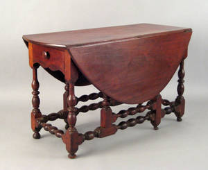 Pennsylvania William  Mary walnut gateleg table ca 1740