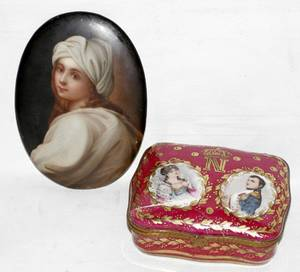 031243 HANDPAINTED PORCELAIN PORTRAIT PLAQUE  BOX