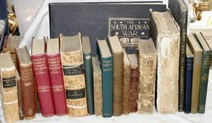 060169 GROUP OF MILITARY BOOKS 18