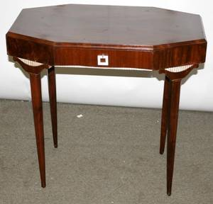 030245 ART DECO MAHOGANY DRESSING TABLE H 30 W 32