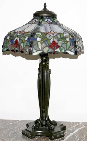042276 LEADED GLASS  BRONZE TABLE LAMP H 31