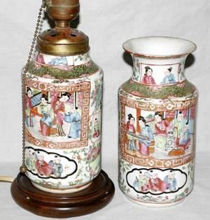 020348 CHINESE ROSE MEDALLION PORCELAIN URN LAMP