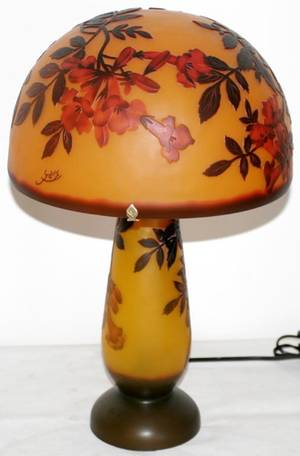 042329 GALLE STYLE CAMEO GLASS LAMP H 18