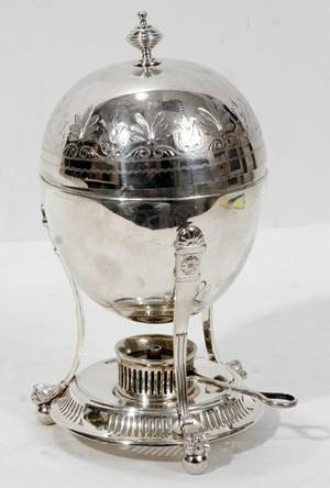 021444 ENGLISH SILVERPLATE EGG CODDLER WM HUTTON