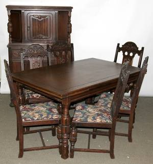 070378 JACOBEAN STYLE CARVED OAK DINING SET C 1930