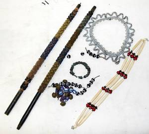 061473 AMERICAN INDIAN BEADWORK PIPE SHAFTS NECKLACES