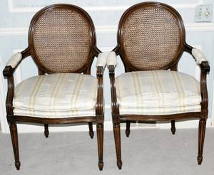 031502 FRENCH LOUIS XVI STYLE FAUTEUILS H 38 W 24