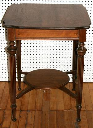 021557 FRENCH STYLE WALNUT PARLOR TABLE 20TH C
