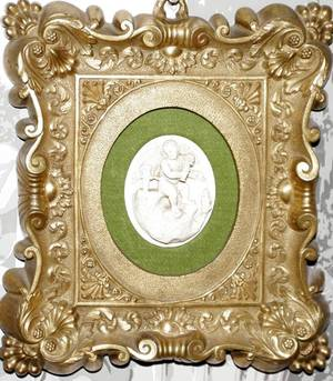 031578 BISQUE MINIATURE RELIEF PLAQUE CHERUB