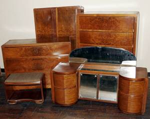 070055 ART DECO STYLE BURL WOOD VENEER BEDROOM SET