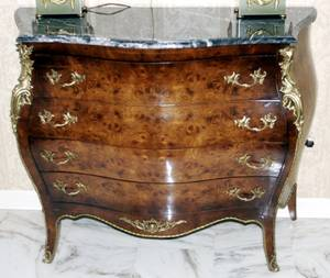 051040 LOUIS XV STYLE WALNUT COMMODE W MARBLE TOP
