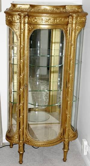 042028 FRENCH GILT WOOD VITRINE H 57 W 28 D 16