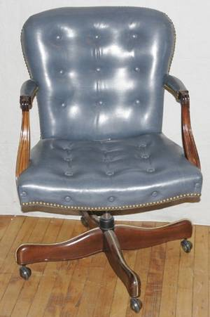021019 HICKORY CHAIR CO LEATHER SWIVEL DESK CHAIR