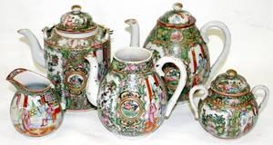 090120 CHINESE ROSE MEDALLION PORCELAIN TEA WARE
