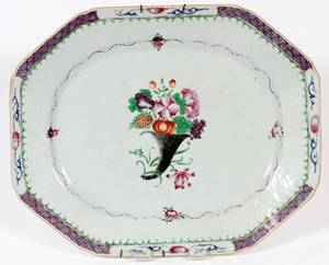 CHINESE EXPORT PORCELAIN PLATTER LATE 18TH C