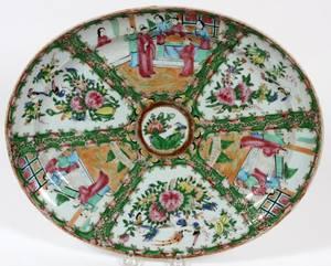 CHINESE ROSE MEDALLION PORCELAIN PLATTER C 1840