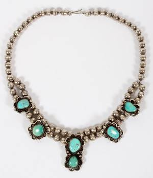NATIVE AMERINDIAN SILVER AND TURQUOISE NECKLACE