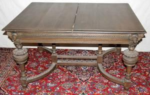 072498 RENAISSANCE CARVED OAK DINING ROOM TABLE