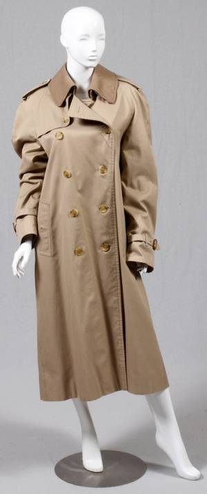 BURBERRY MANS TRENCH COAT