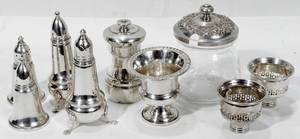 081578 STERLING SILVER SALT  PEPPER SHAKERS POT