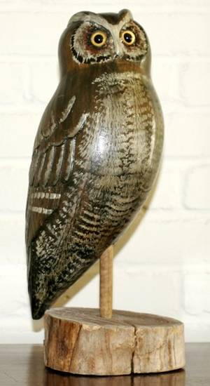 072546 CARVED WOOD OWL ON STAND H 16
