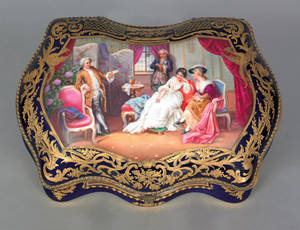 Large German porcelain dresser box ca 1900