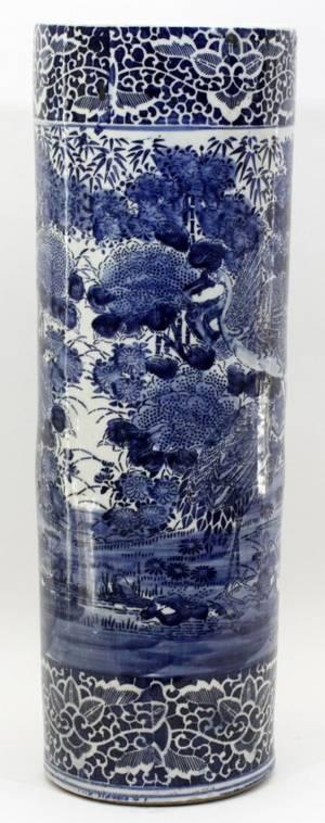 CHINESE BLUE  WHITE PORCELAIN UMBRELLA JAR