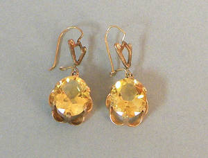 14K yellow gold citrine earrings with buttercup settings and kidney backings