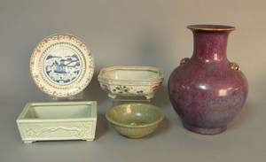 Five pieces of Chinese porcelain and pottery
