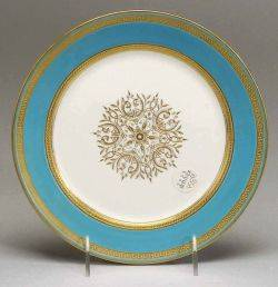 Set of Twelve English Porcelain Luncheon Plates