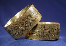 Pair of Victorian 14kt Gold and Enamel Bangle Bracelets