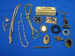Small Group of Vintage Costume Jewelry and Accessories