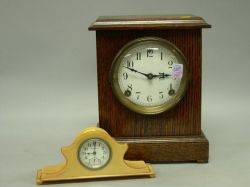 Sessions Oak Mantel Clock and an Ingraham Art Deco Plastic Dresser Clock