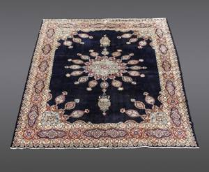 Hand Woven Persian Kerman Rug wFlower Motif