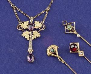 Four Art Nouveau 14kt Gold and Gemset Jewelry Items