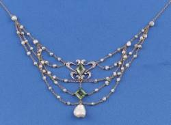 Edwardian Peridot Diamond and Freshwater Pearl Festoon Necklace