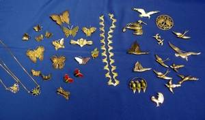 Group of Mostly Silver Birdform and Butterfly Jewelry Items