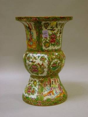 Large Chinese Export Rose Medallion Porcelain Vase