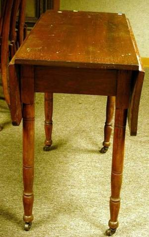Late Federal Stained Pine Dropleaf Table