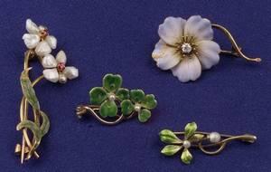 Four Art Nouveau 14kt Gold and Enamel Flower Pins