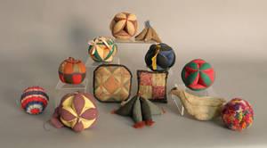 Thirteen Pennsylvania sewing balls and pin cushions